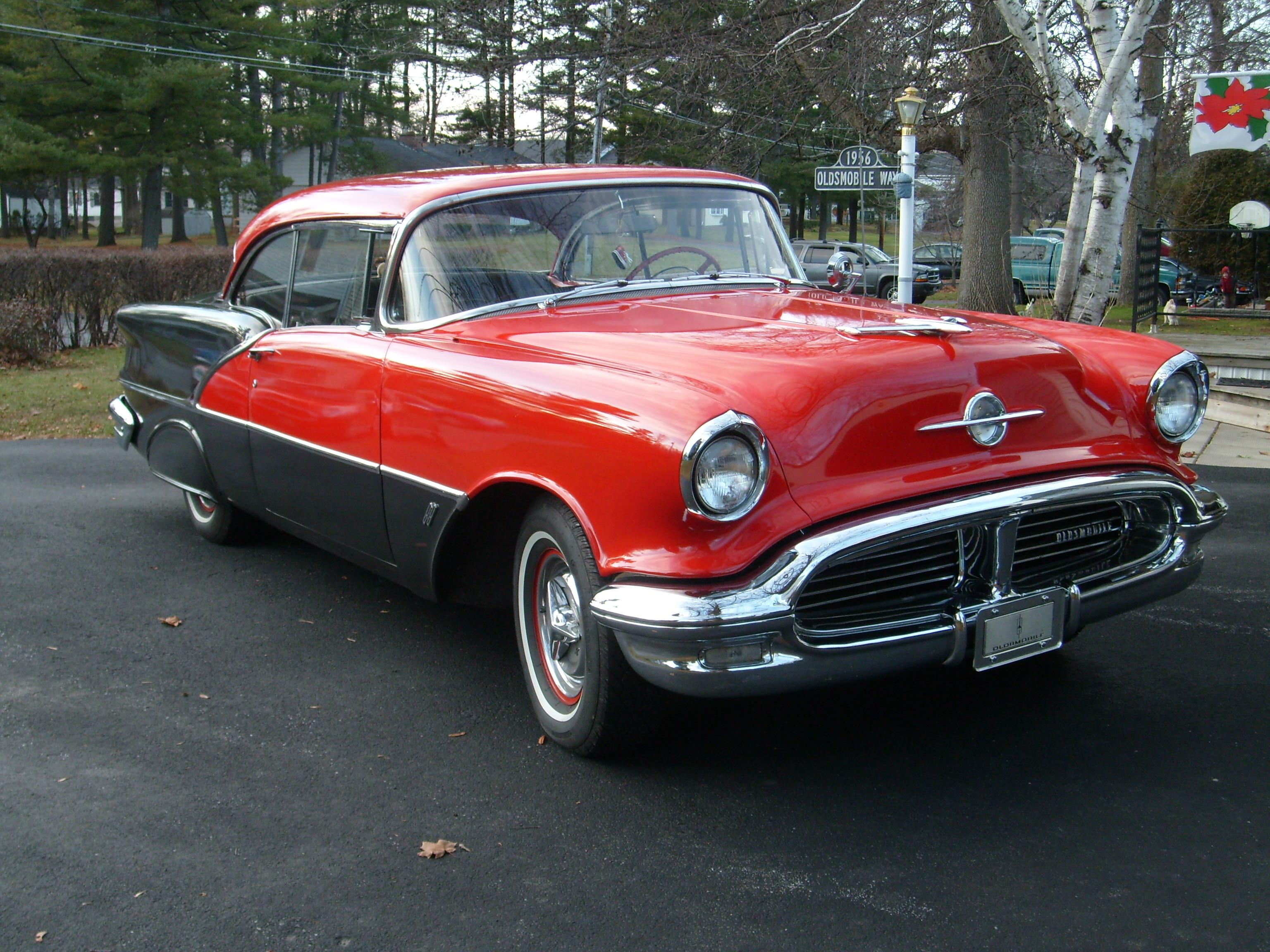 56Holiday88's 1956 Oldsmobile 88
