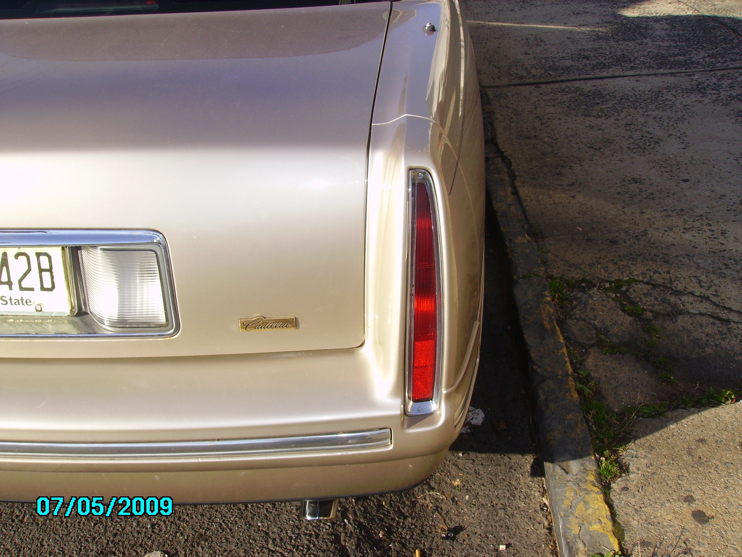 Another SERIOUSBIZNESS 1998 Cadillac DeVille post... - 6860657