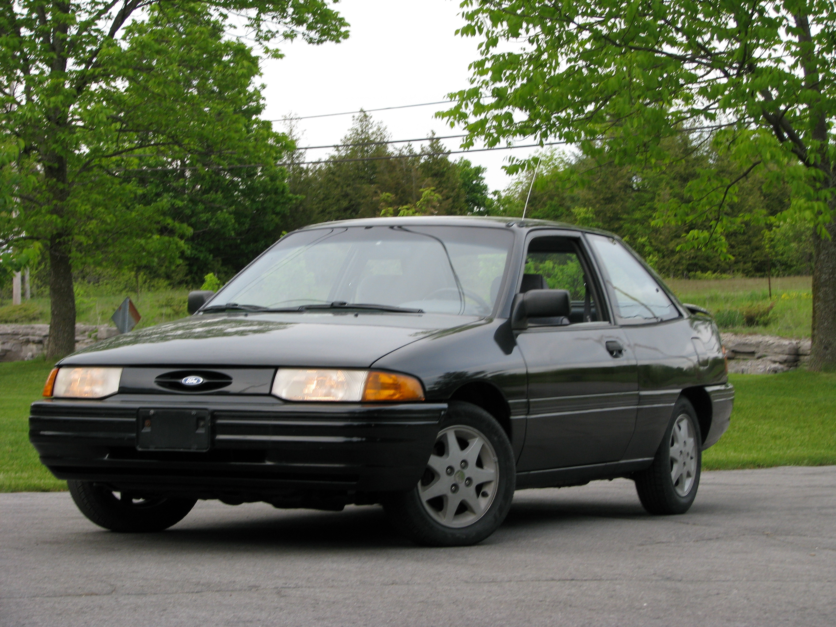 Value 1998 ford escort
