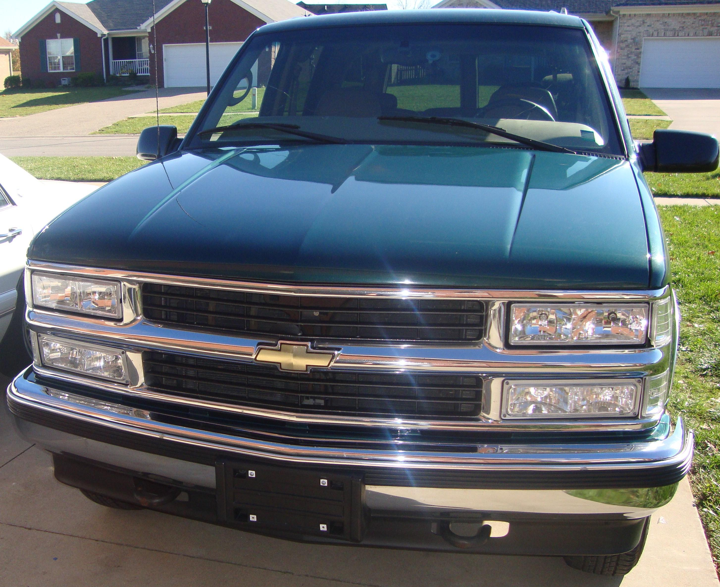 subrb aladeesv 1999 chevrolet suburban 1500 specs photos modification info at cardomain. Black Bedroom Furniture Sets. Home Design Ideas