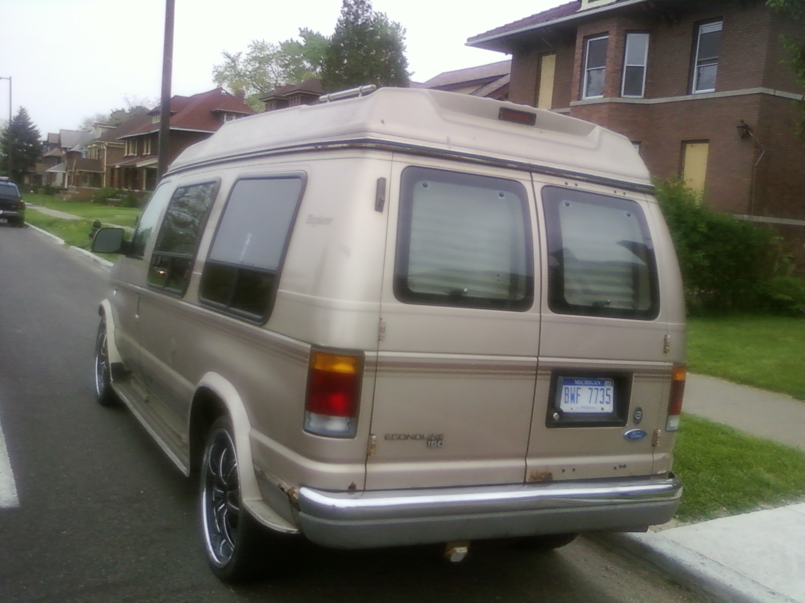 Another lboogie76 1992 ford econoline e150 passenger post 13994108