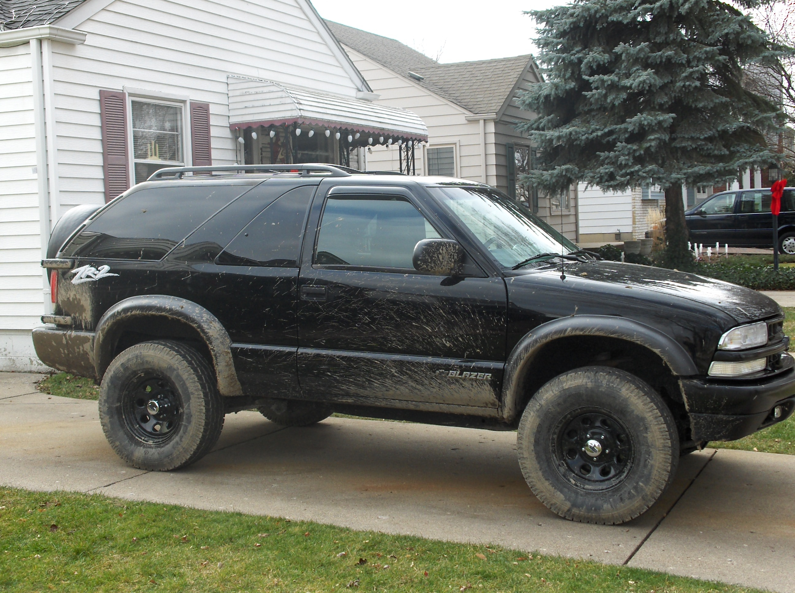 BlackBeastlyZ 1999 Chevrolet Blazer Specs, Photos ...