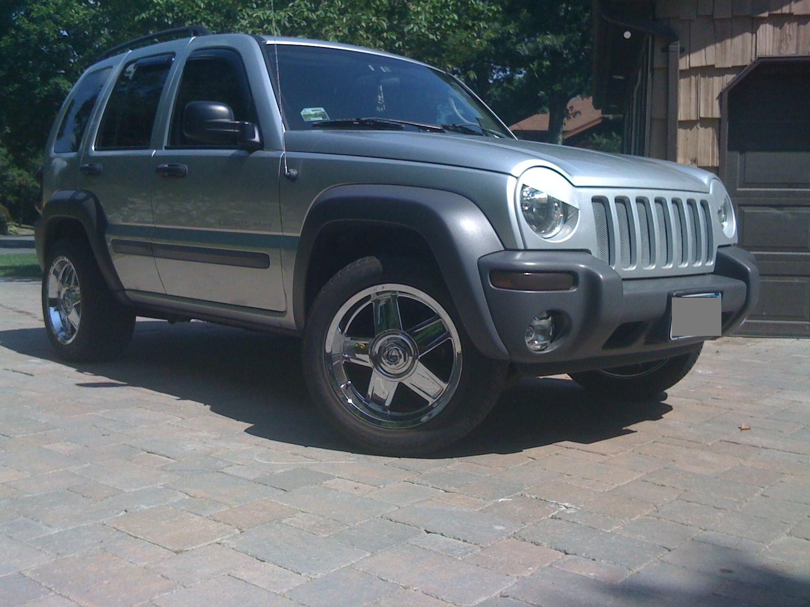 2005 Jeep Liberty Angry Eyes