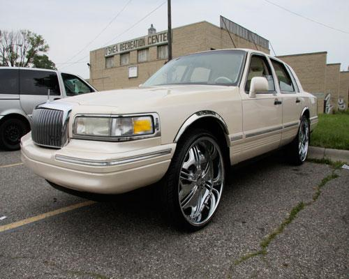 Tiggarsgceo 1995 Lincoln Town Car Specs Photos Modification Info