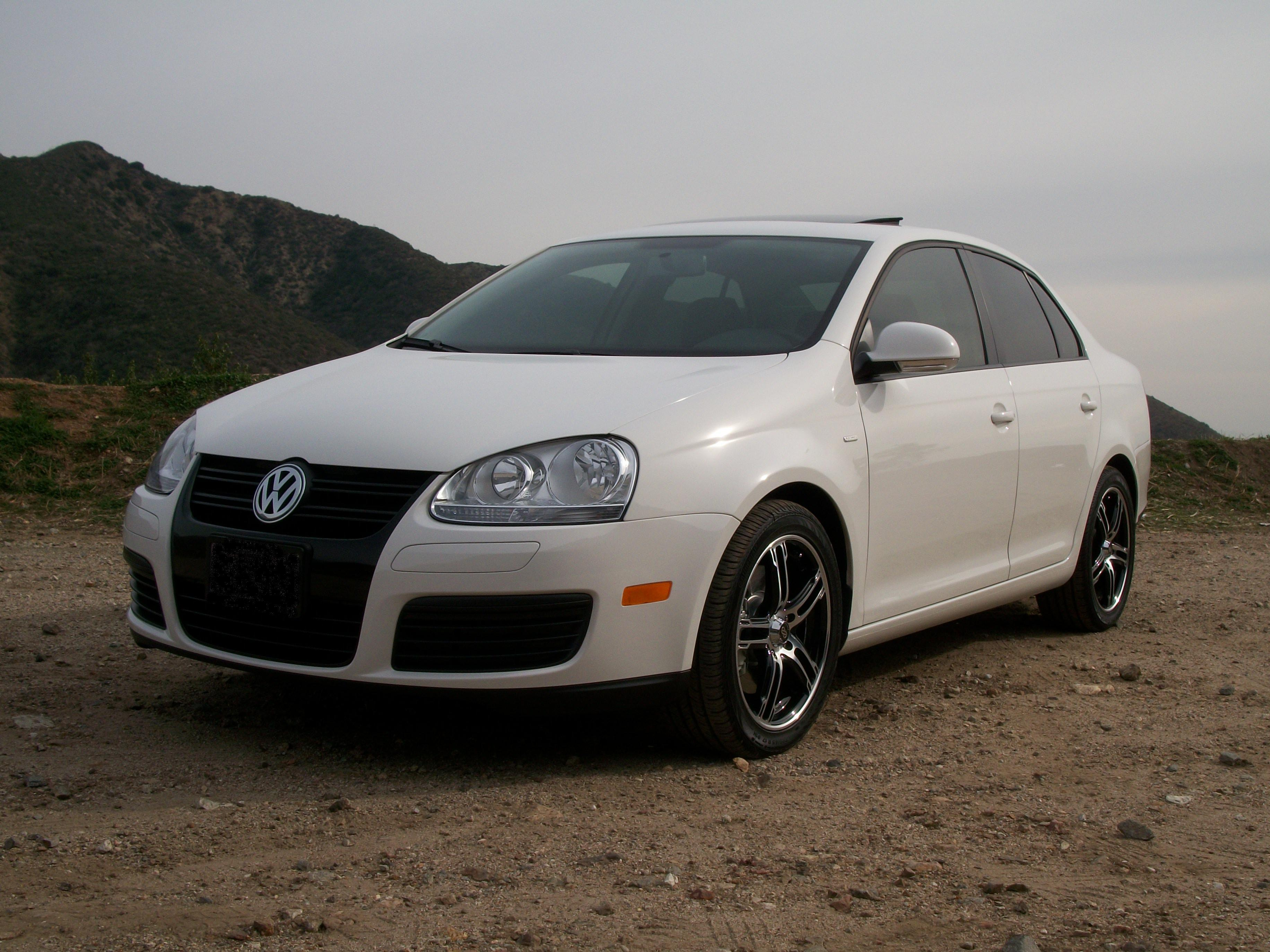 Another MR_AE-z_CTS 2010 Volkswagen Jetta post... - 14004833