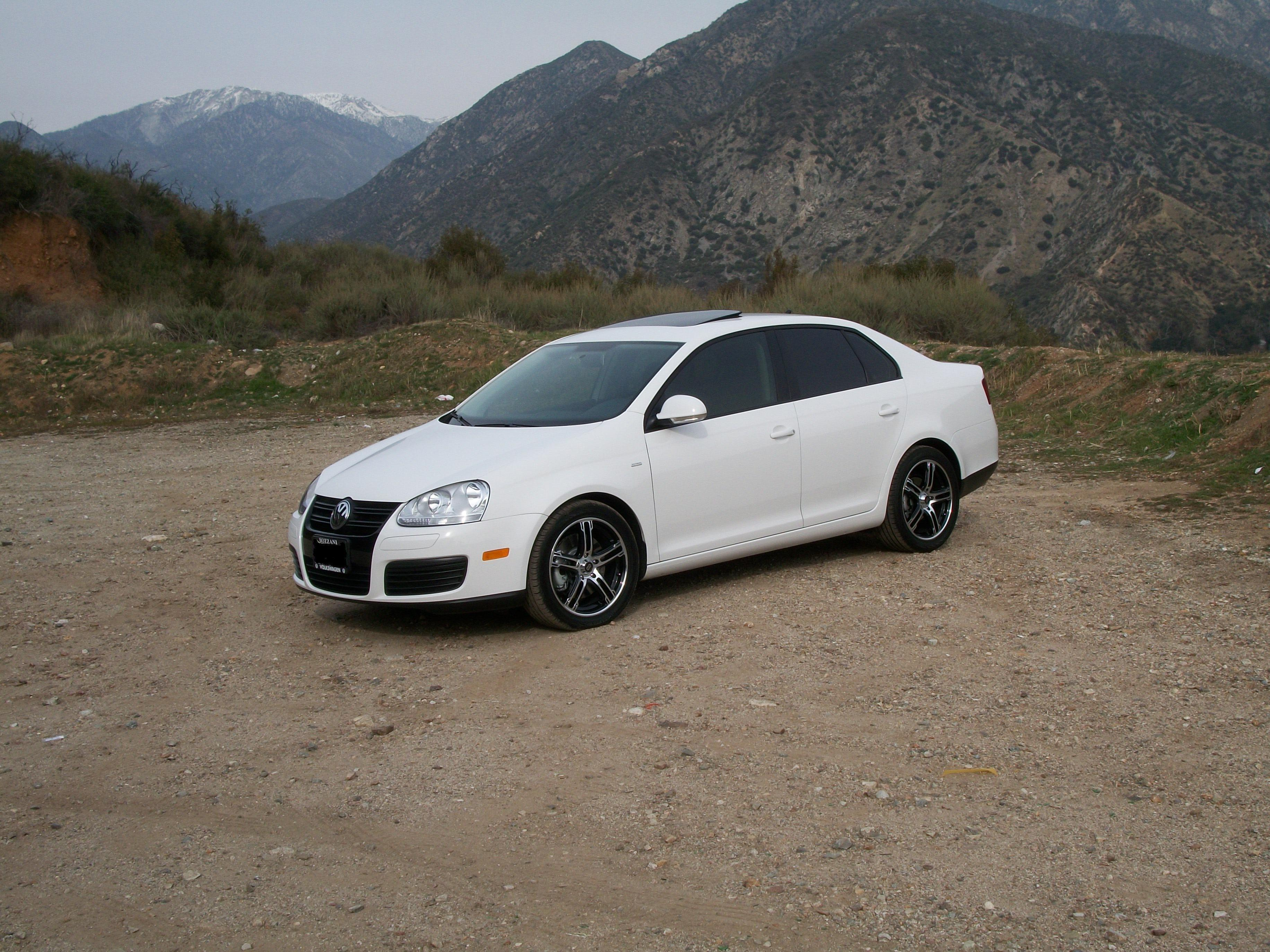 Another MR_AE-z_CTS 2010 Volkswagen Jetta post... - 14004836