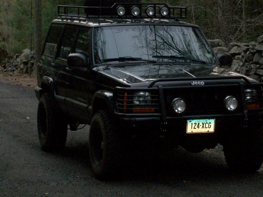 Xj S With Lift And Tires And Stock Flares Jeepforum Com