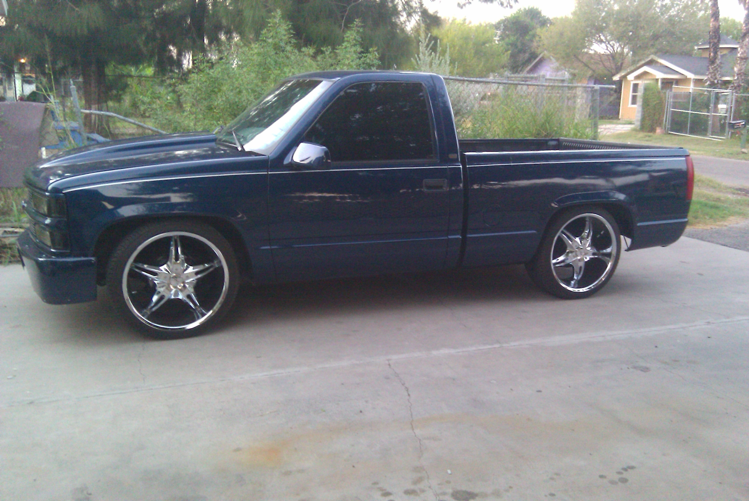 La_SwishaSweet 1998 Chevrolet C/K Pick-Up 14023755