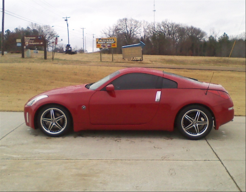 Dustinlee26 2005 nissan 350z 38169470017_large