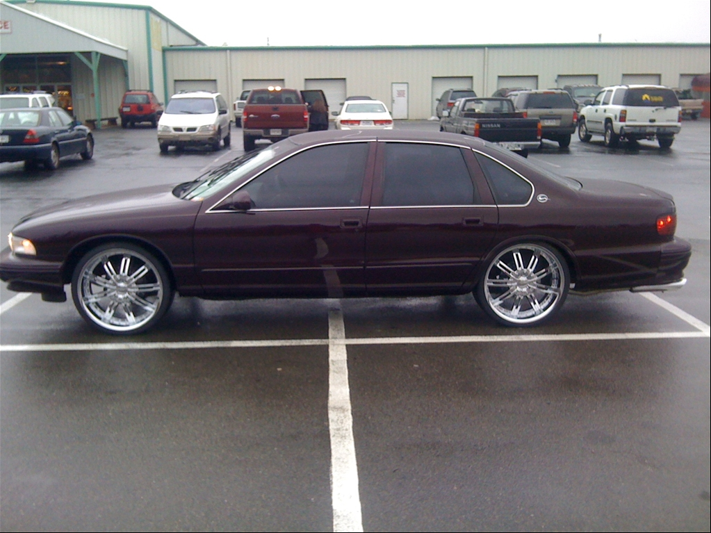 Chevy Impala On 30 S http://www.cardomain.com/ride/3818066/1996-chevrolet-impala/