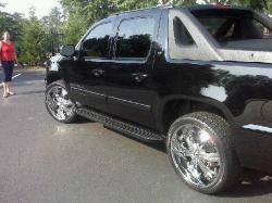 Young_General 2009 Chevrolet Avalanche