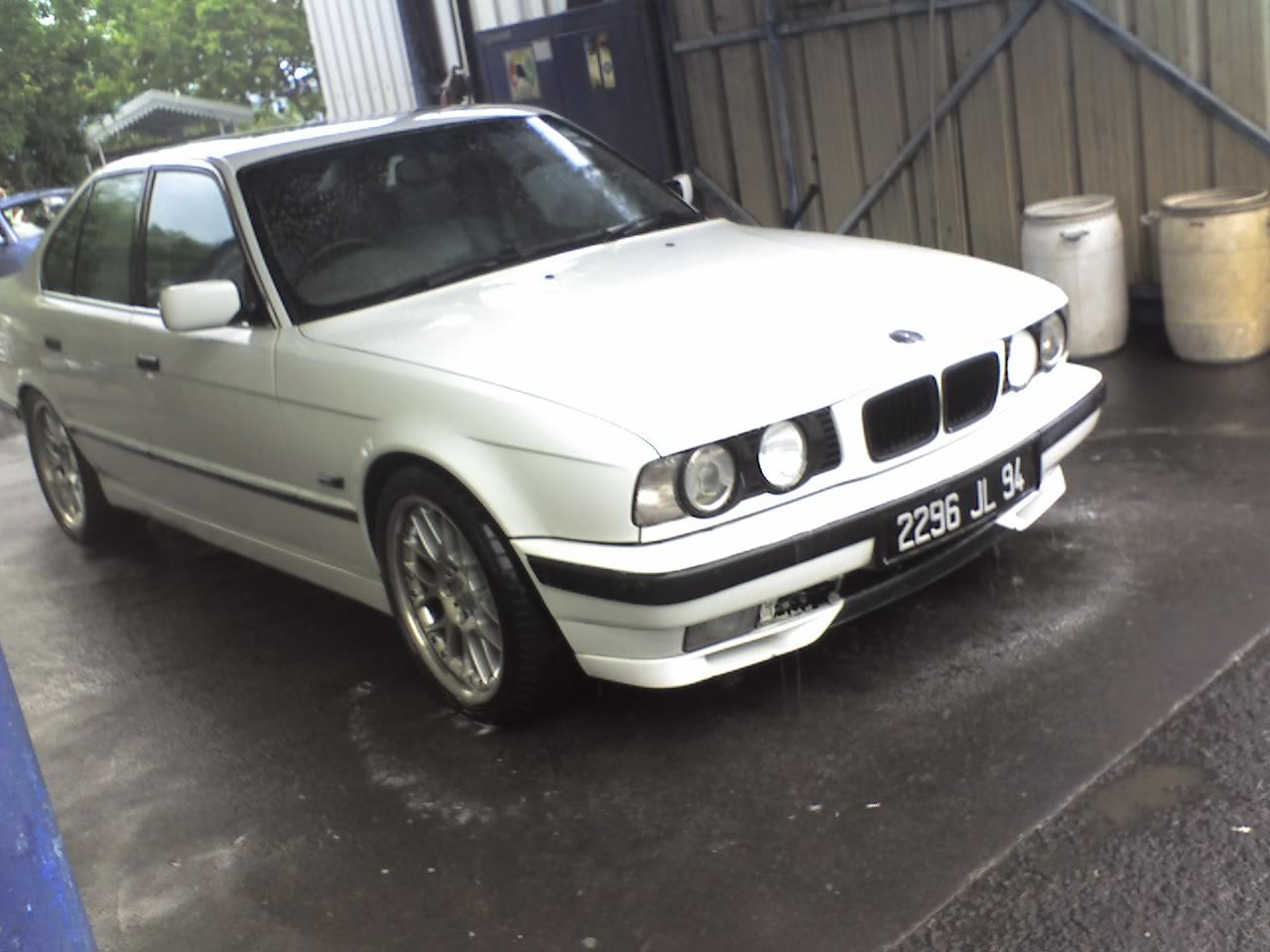 Reekesh's 1994 BMW 5 Series