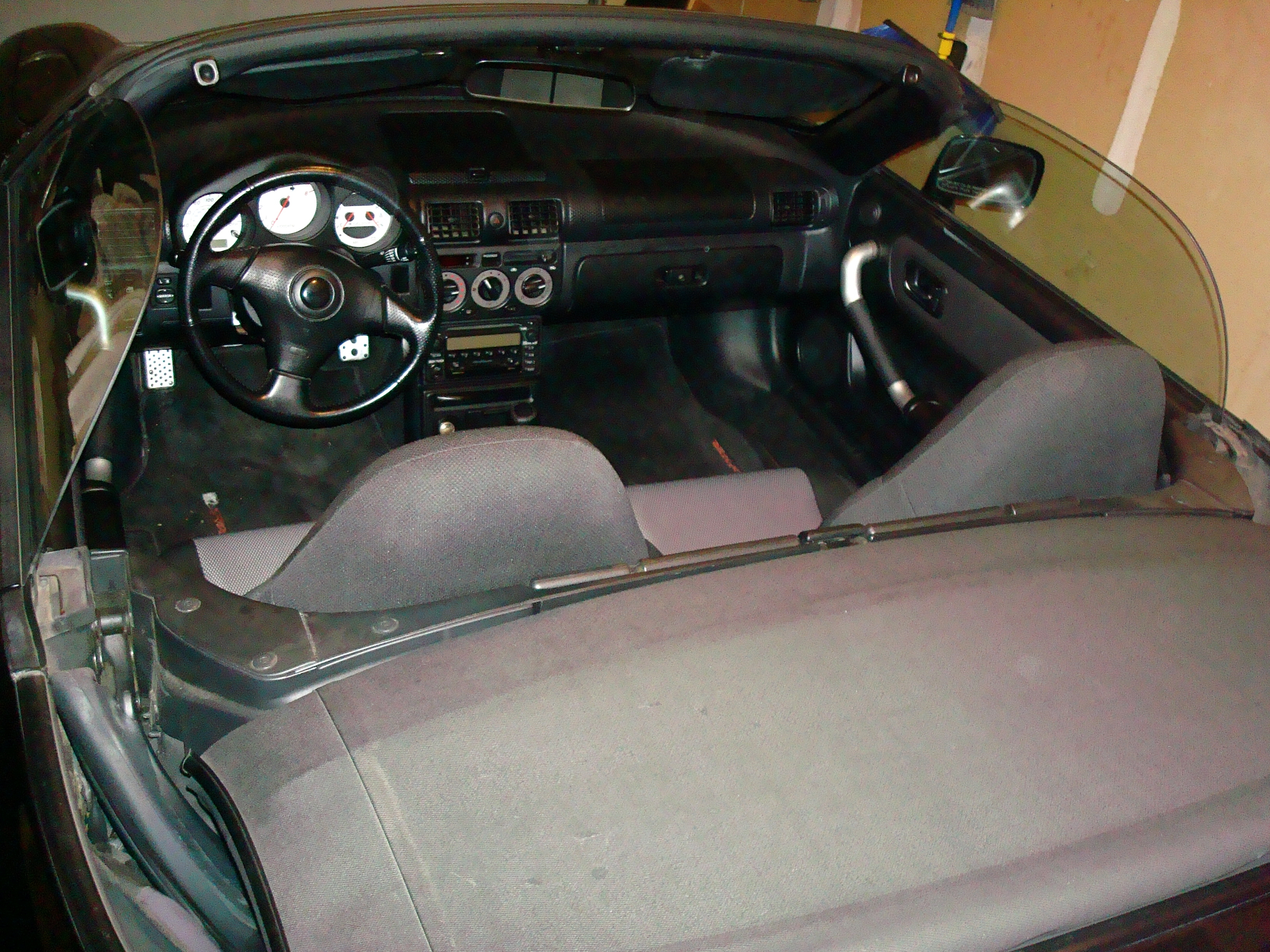 Another vincenzo53 2001 Toyota MR2 Spyder post... - 14045685