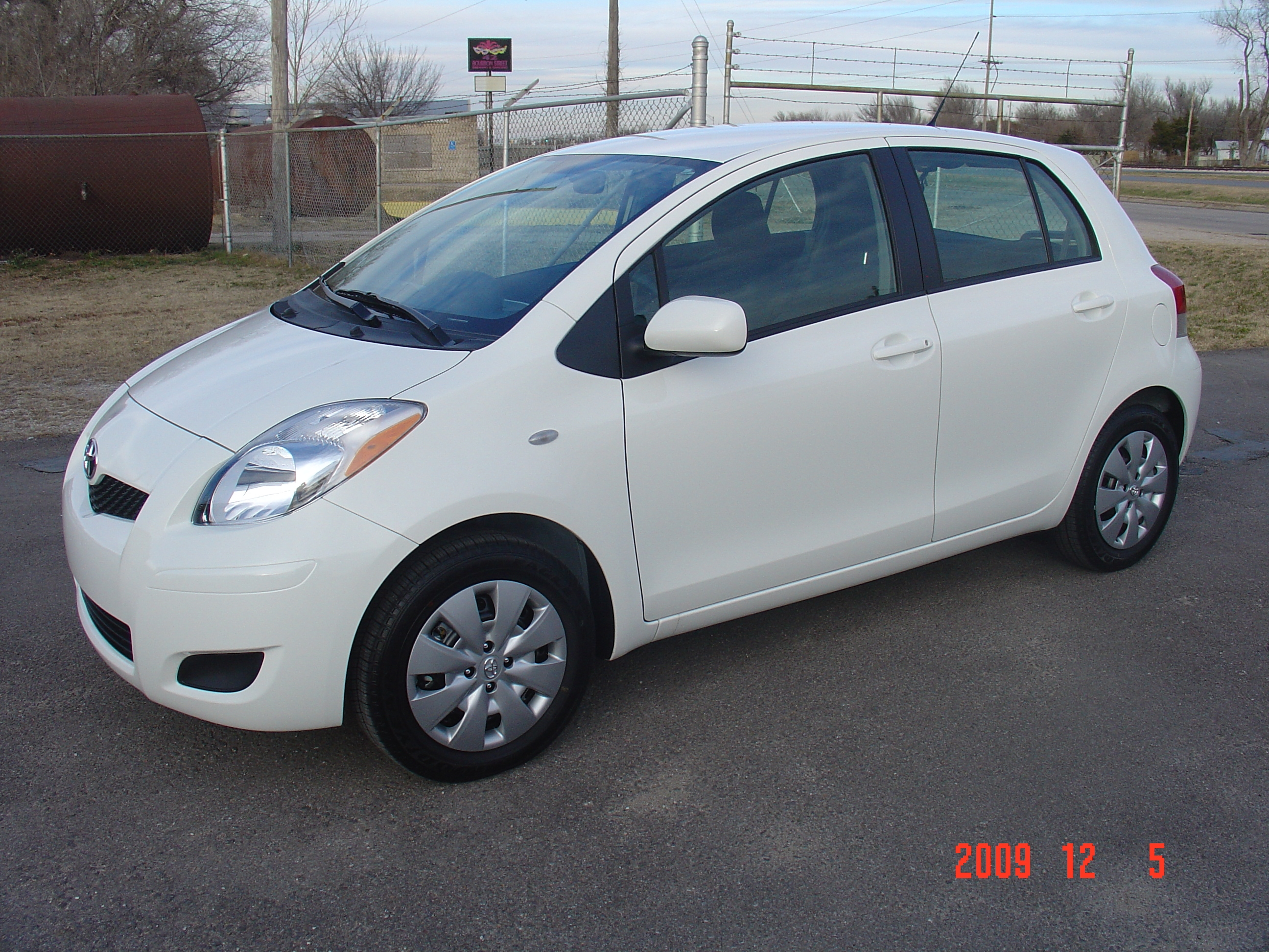 Another Loon 2010 Toyota Yaris post... - 14067442