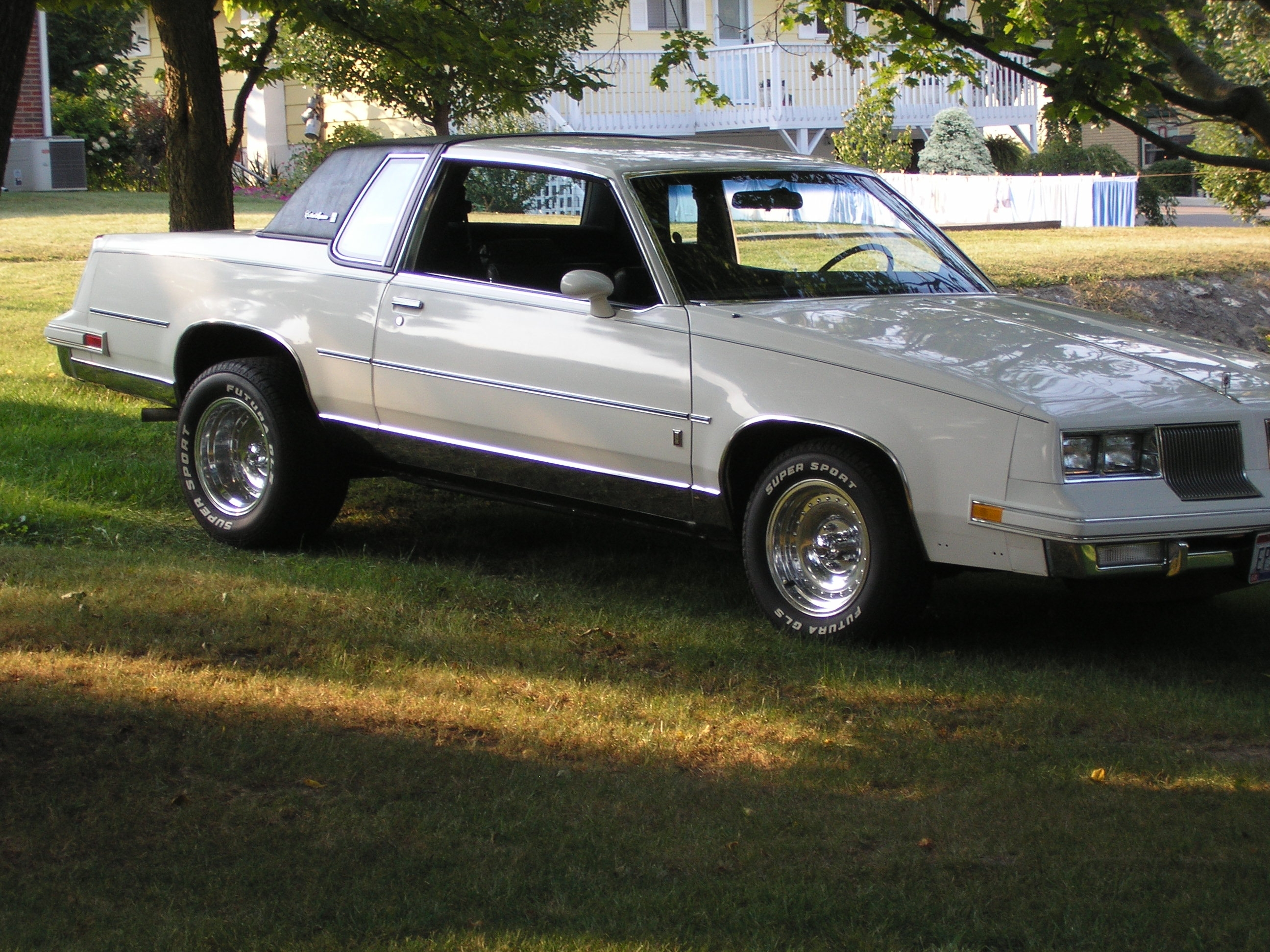 Another polarbearjams 1986 Oldsmobile Cutlass Supreme post... - 14073882