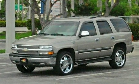 CHail 2002 Chevrolet Tahoe 14074815