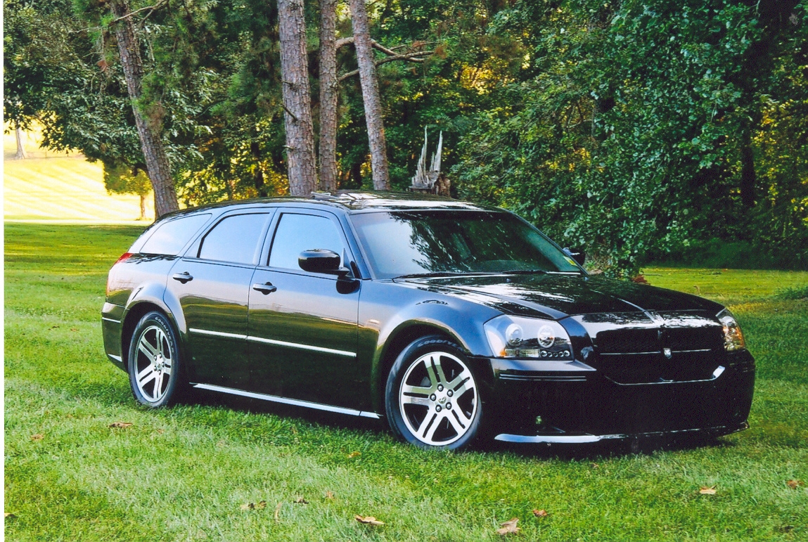 agctrackandfield 2005 dodge magnum specs photos. Black Bedroom Furniture Sets. Home Design Ideas
