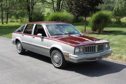 pgheng95s 1981 Pontiac Phoenix