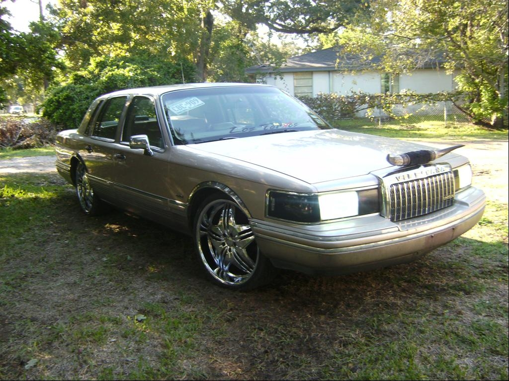 terkodeamadre 1993 lincoln town car specs photos. Black Bedroom Furniture Sets. Home Design Ideas