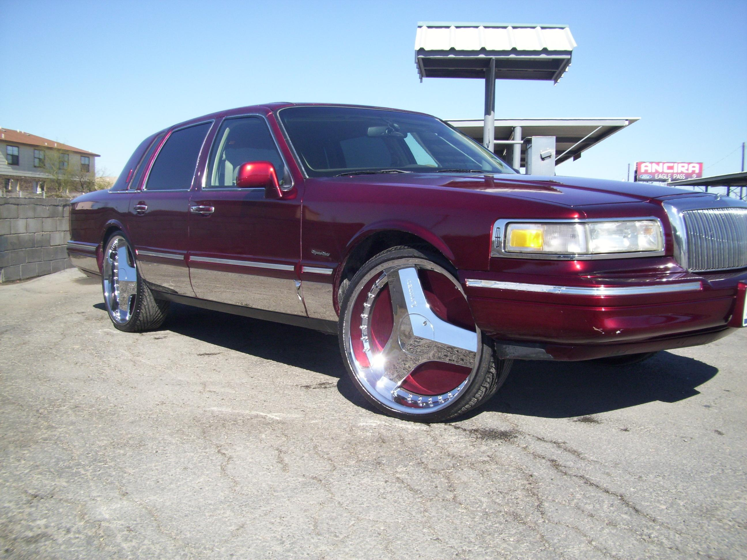 charlieaguilar_9 1997 Lincoln Town Car Specs, Photos, Modification