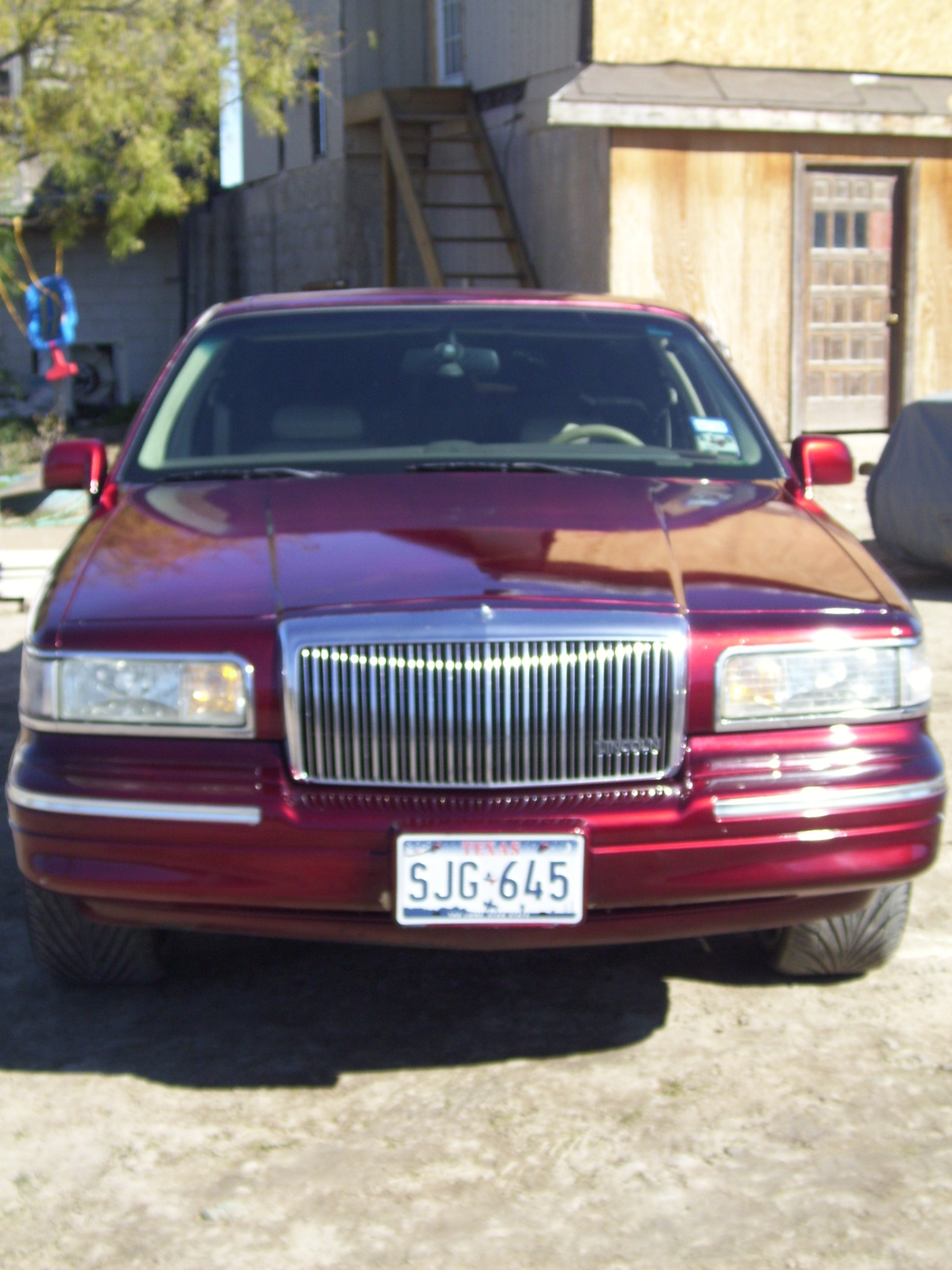 Another charlieaguilar_9 1997 Lincoln Town Car post... - 14107611