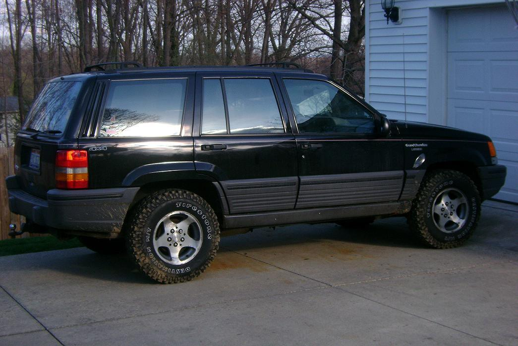93zj 1993 jeep grand cherokeelaredo sport utility 4d specs photos modification info at cardomain 1993 jeep grand cherokee interior