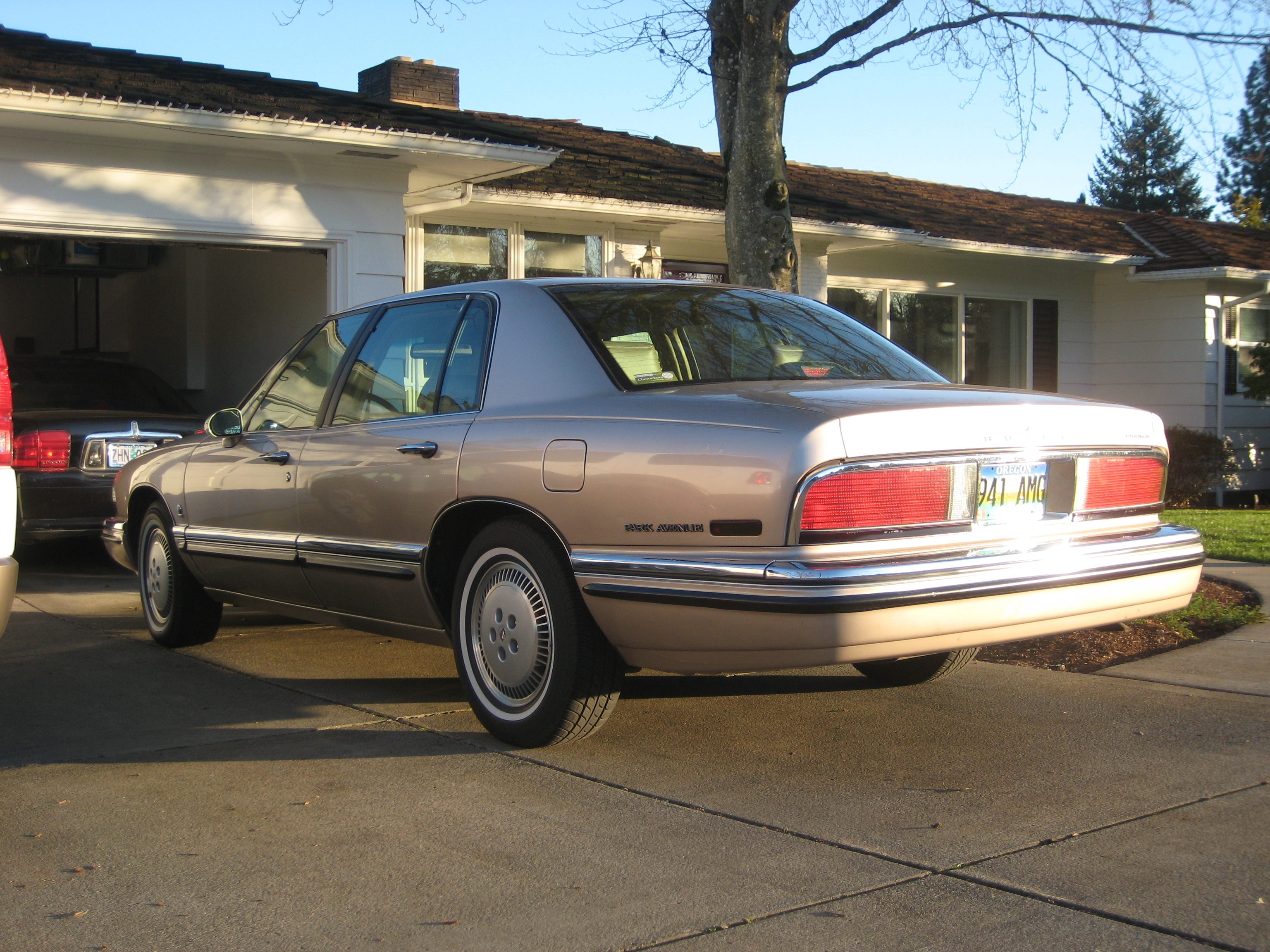 Another thegr8schlotzky 1995 Buick Park Avenue post... - 14112858