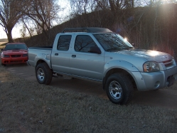 oshagnastys 2003 Nissan Frontier Regular Cab