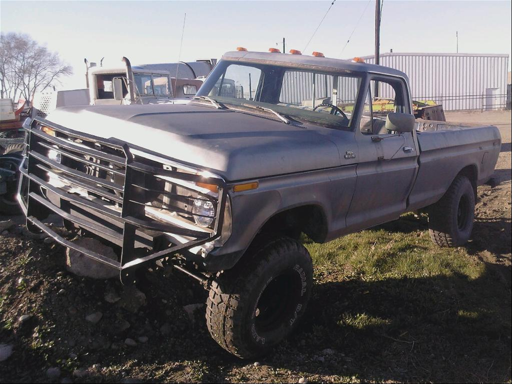 1977 Ford Crew Cab 4X4 http://www.cardomain.com/ride/3824212/1977-ford-f150-regular-cab/