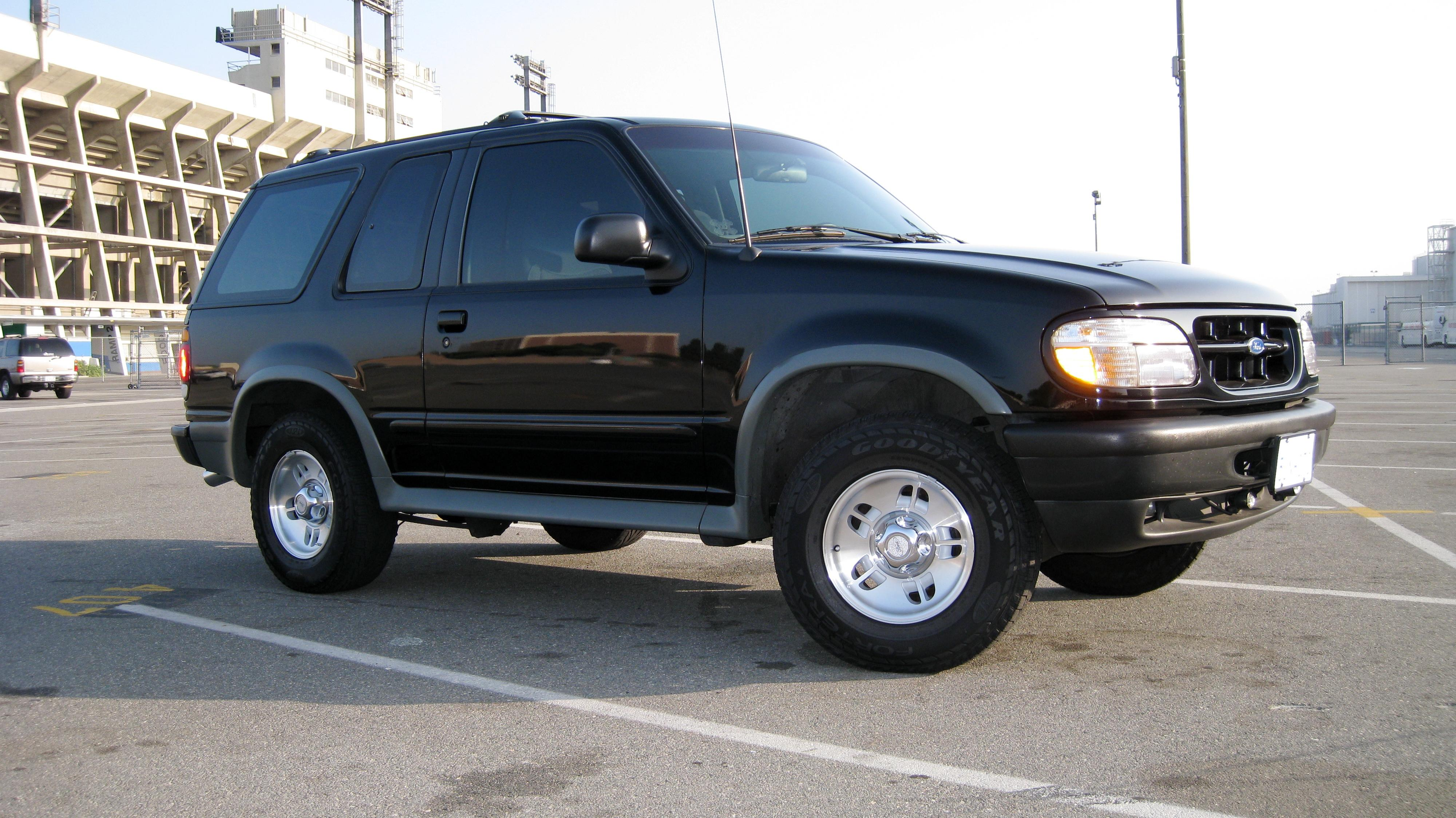 Another Amazing-3 1996 Ford Explorer Sport post... - 14119623
