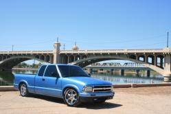 8EZBNLOs 1997 Chevrolet S10 Regular Cab