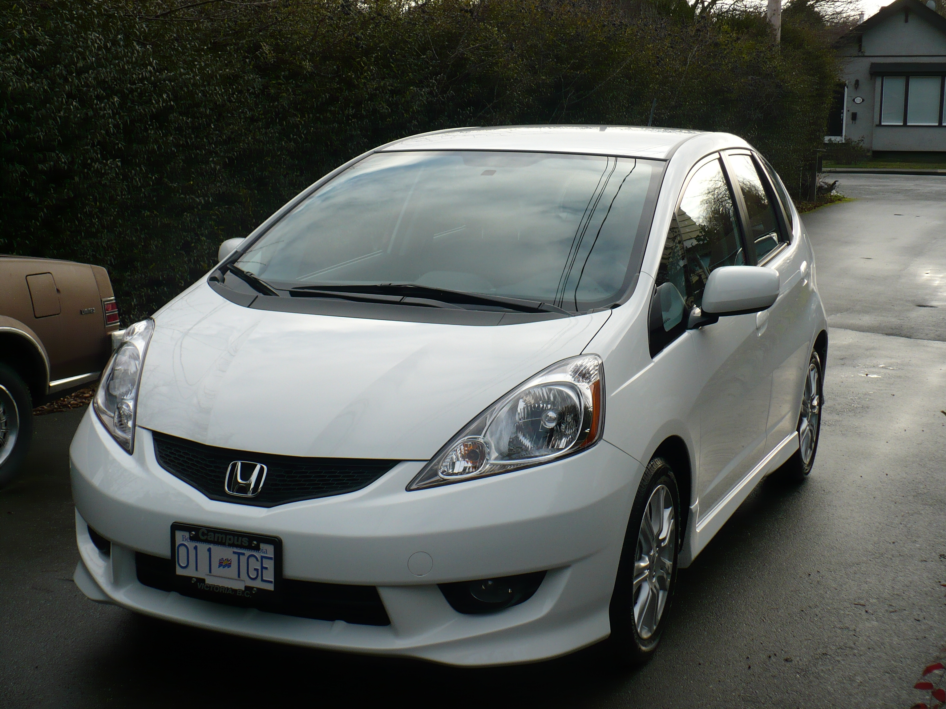 narrator 2009 Honda Fit 14131988