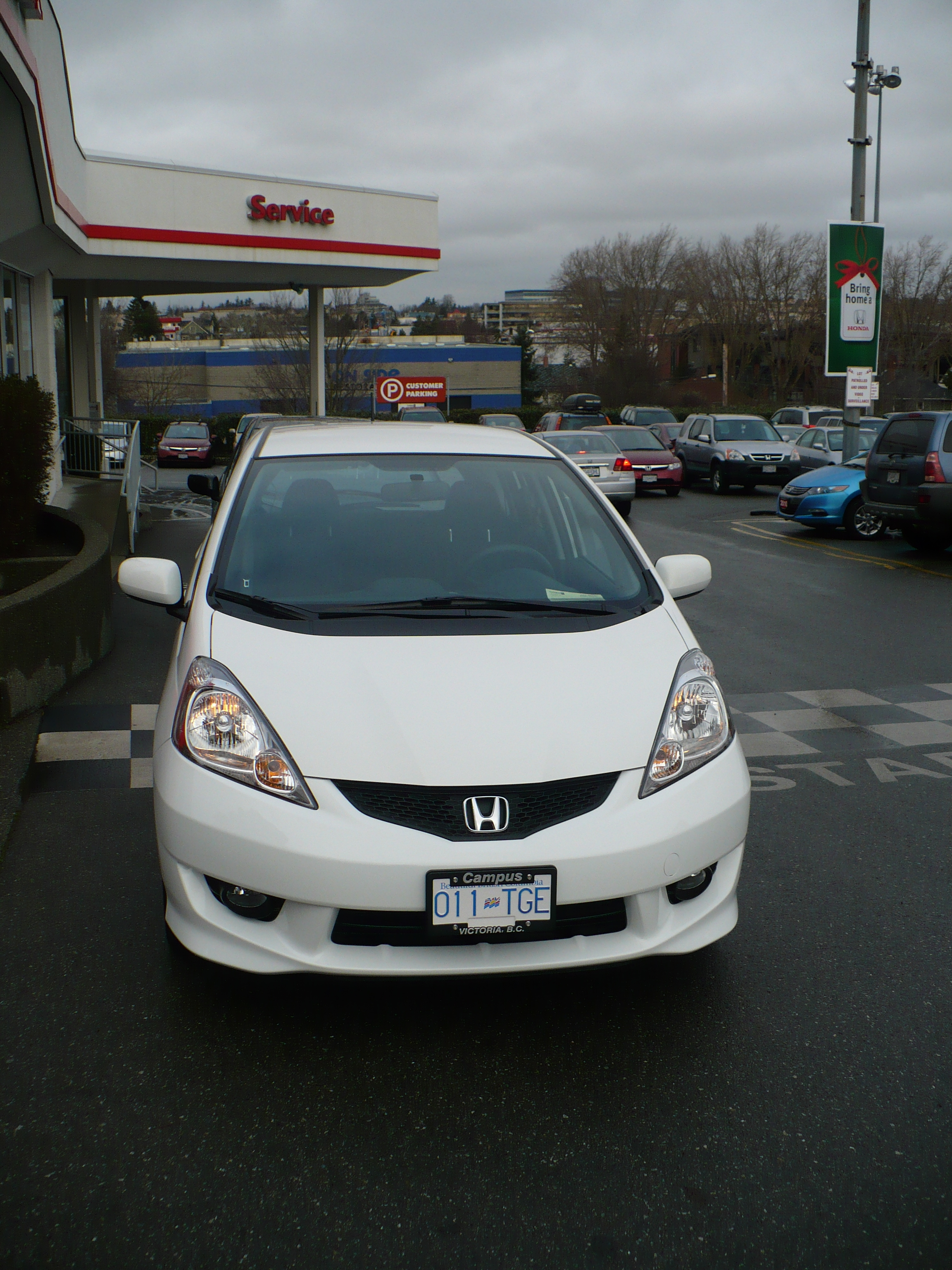 narrator 2009 Honda Fit 14131989