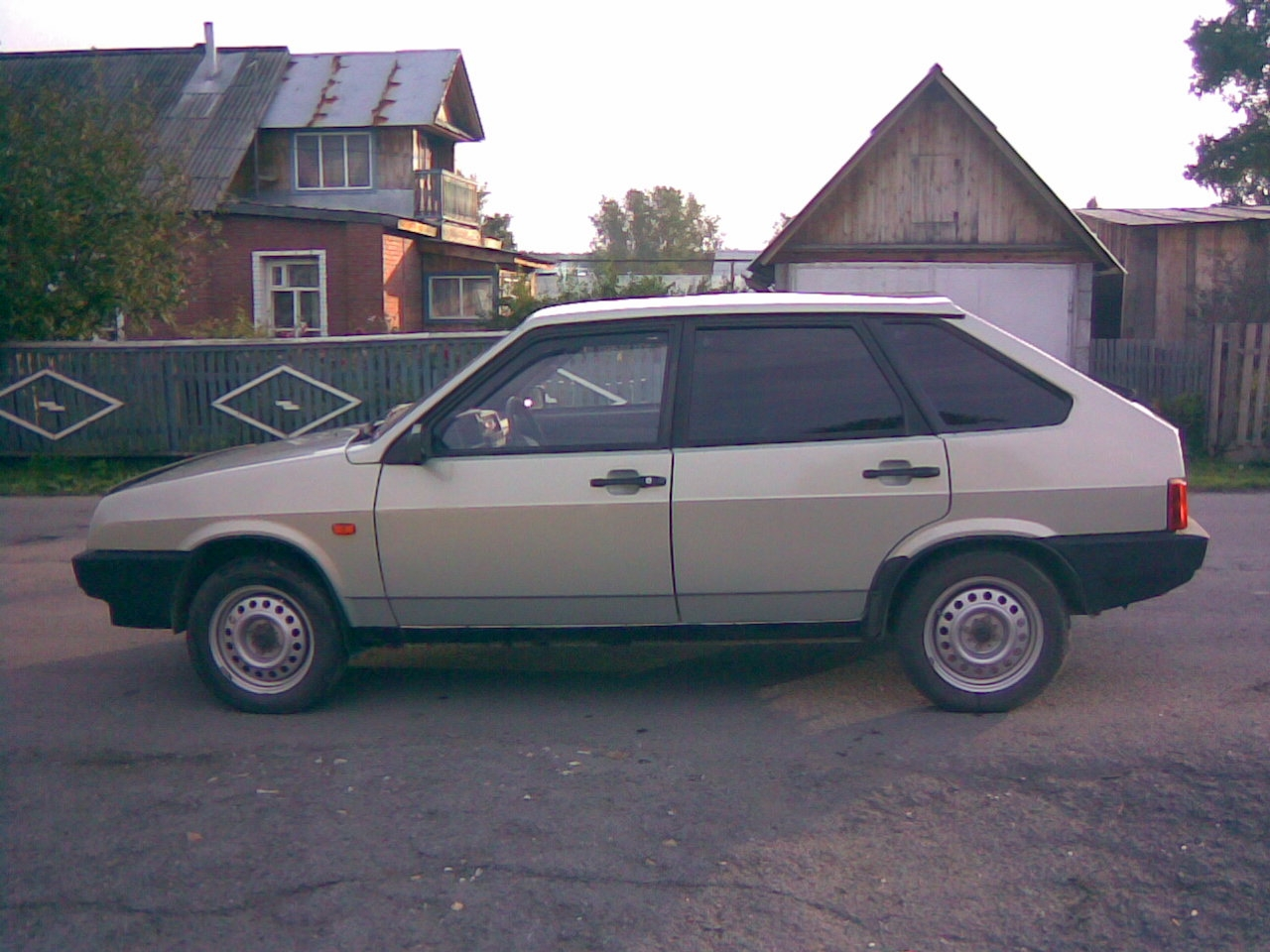 Another frukt 2001 Lada Samara post... - 14140487