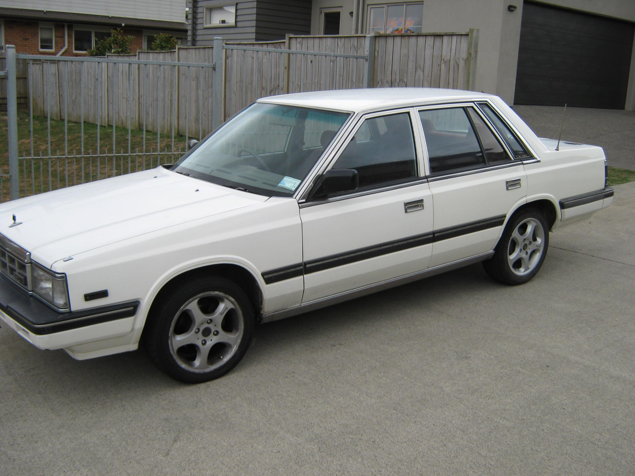Delta_richo 1985 Nissan Laurel 14143535