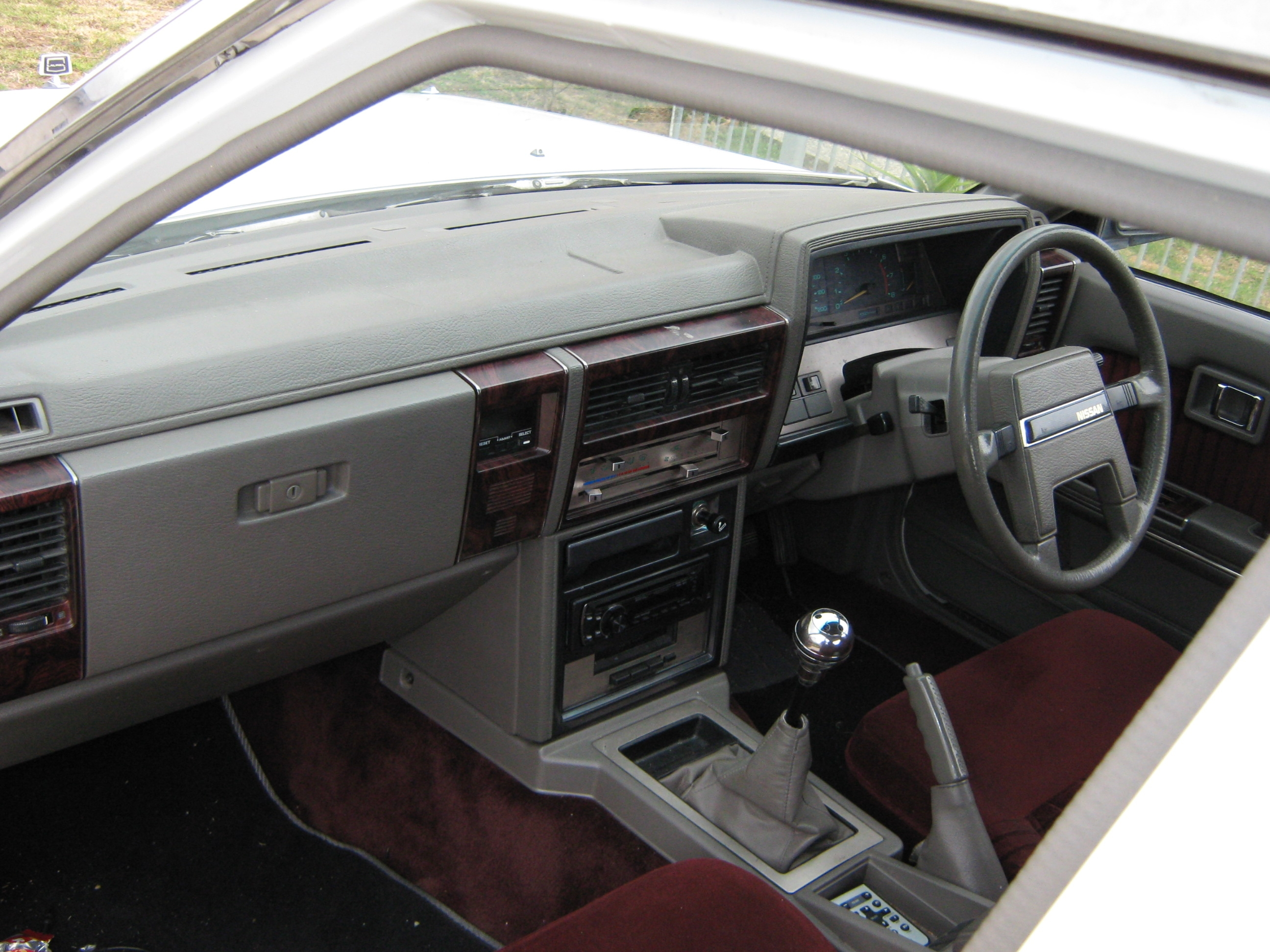 Delta_richo 1985 Nissan Laurel 14143546