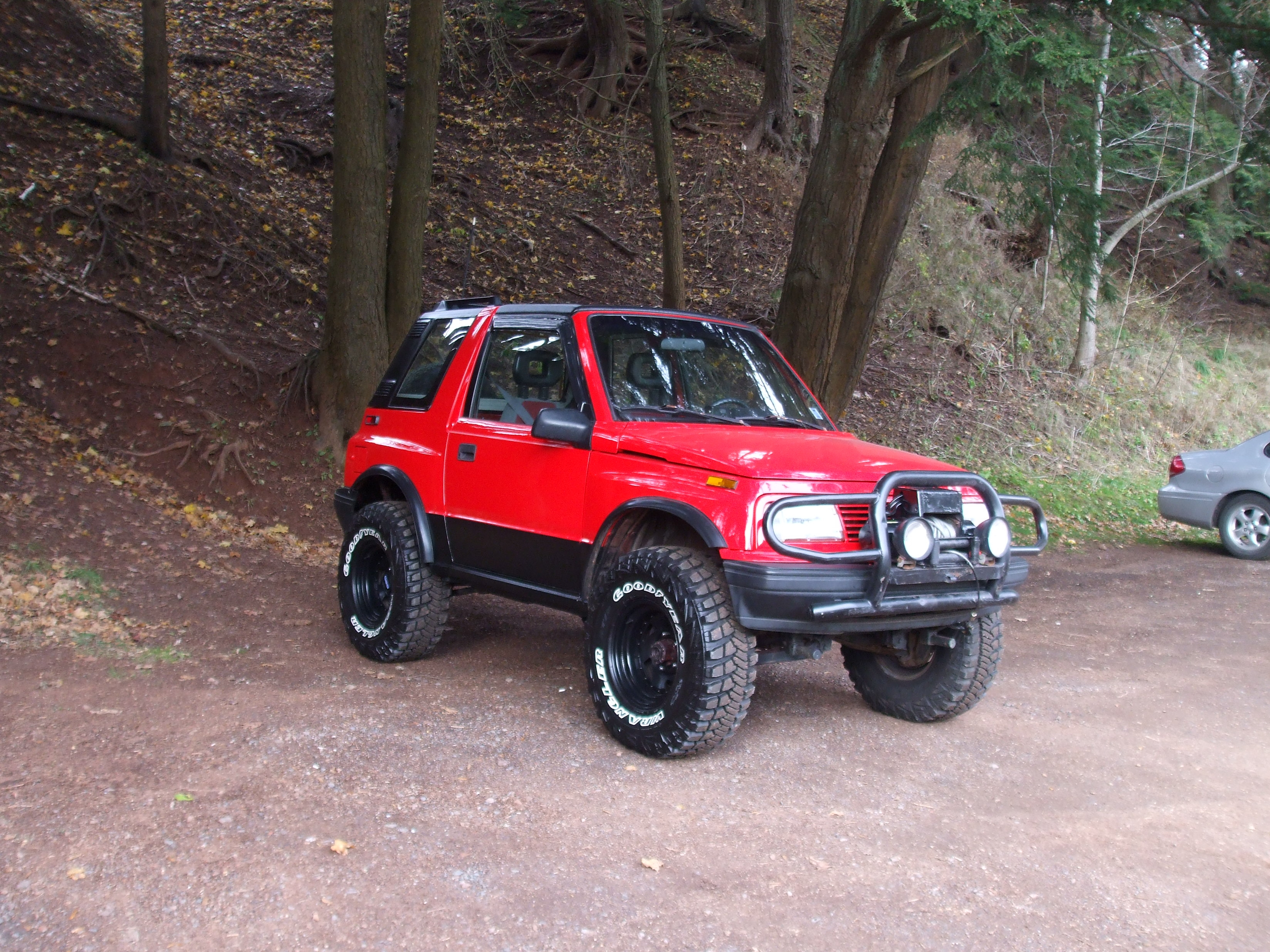 Geo Tracker Off Road besides Chevrolet Tracker Plane Car Is Sure To Earn Double Takes additionally Feature rockstarpart2 furthermore Index php furthermore File 1992 1994 Suzuki Vitara  SE416C Type2  JX softtop 02. on lifted geo tracker