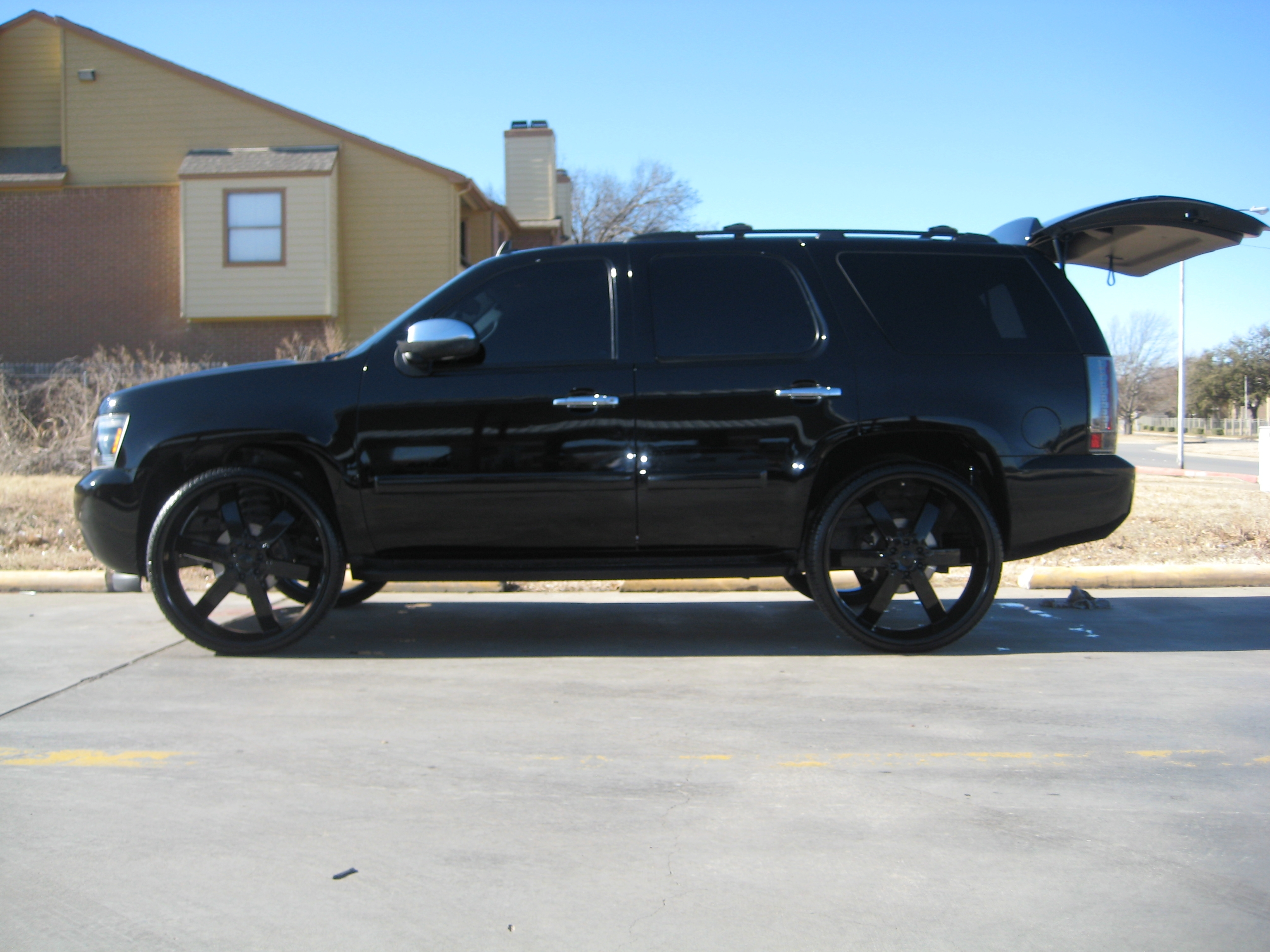 tclayton82 2008 chevrolet tahoe specs photos modification info at cardomain. Black Bedroom Furniture Sets. Home Design Ideas
