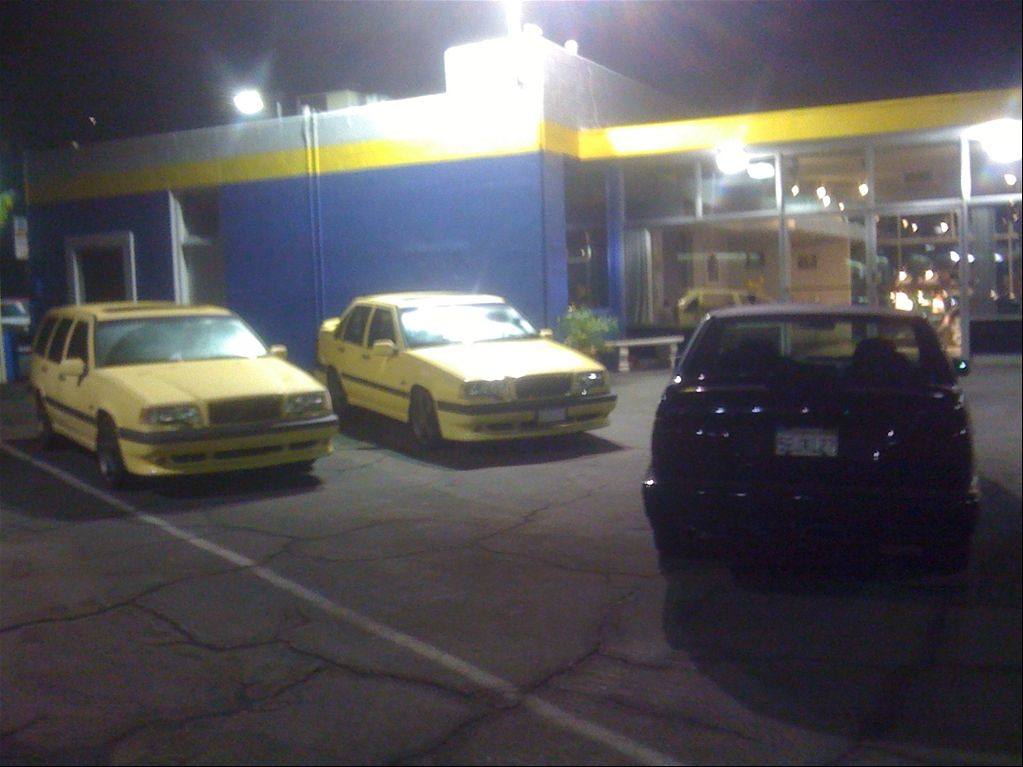 Bumble bee: RcWerkz.com 95 Volvo 850 T5-R Cream Yellow Wagon! more mods and