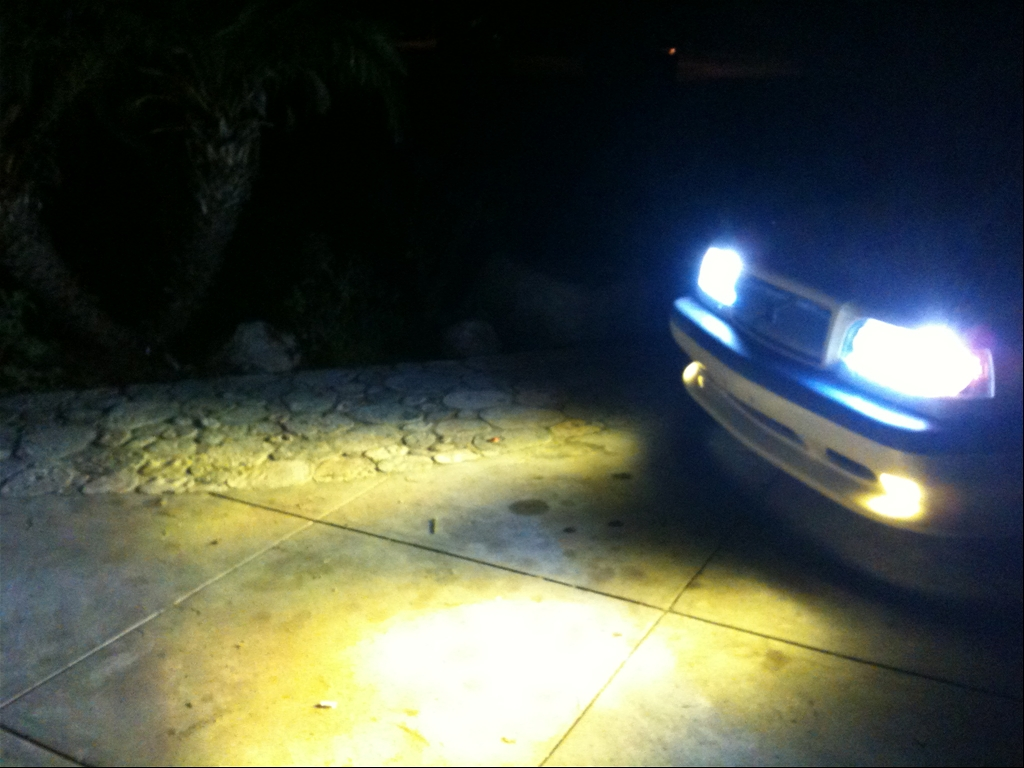 Bumble bee: Rwerks.com 95 Volvo 850 T5-R Cream Yellow Wagon! more mods and
