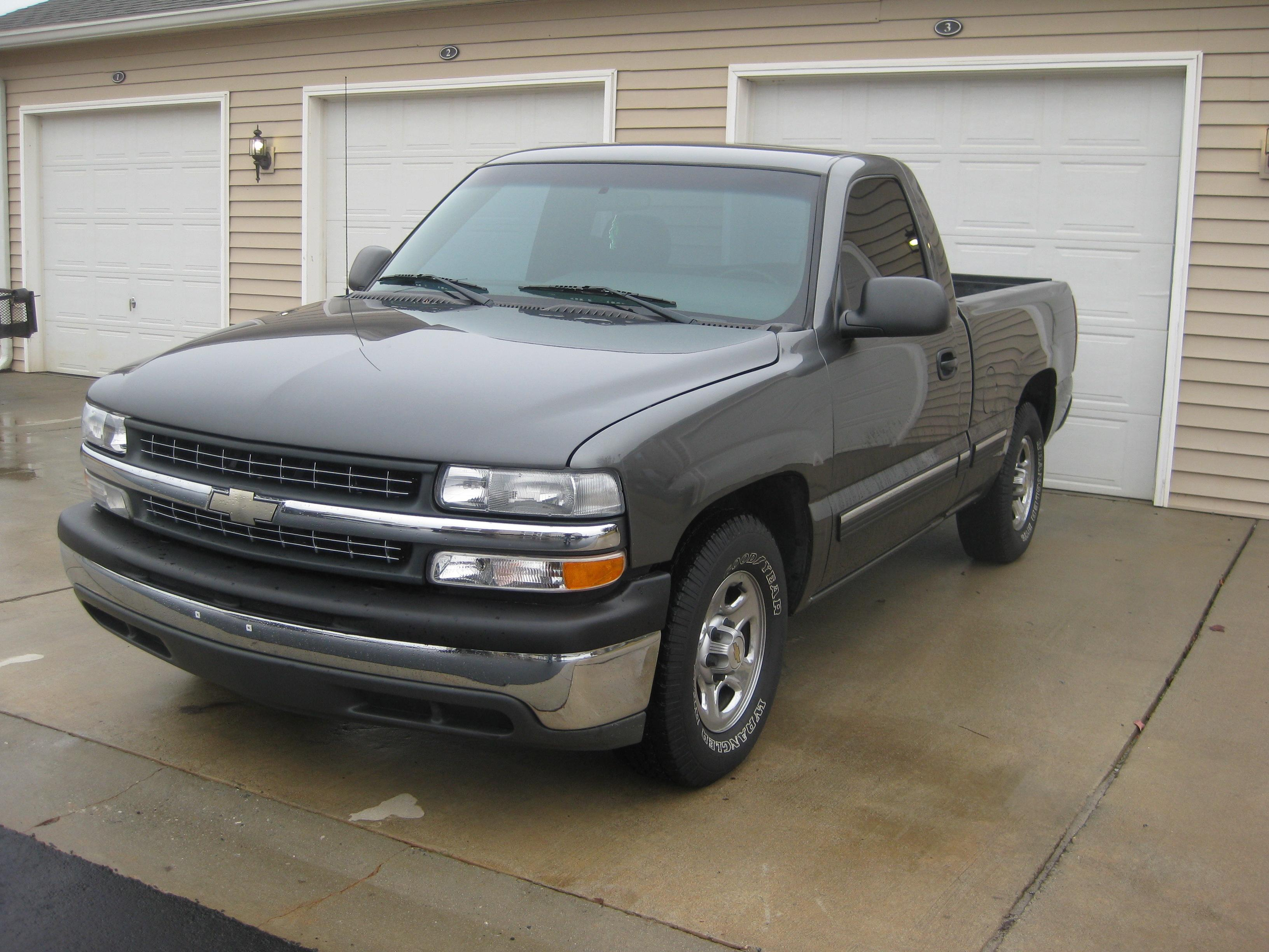 chevyonlexanis 2002 Chevrolet Silverado 1500 Regular Cab 14159289