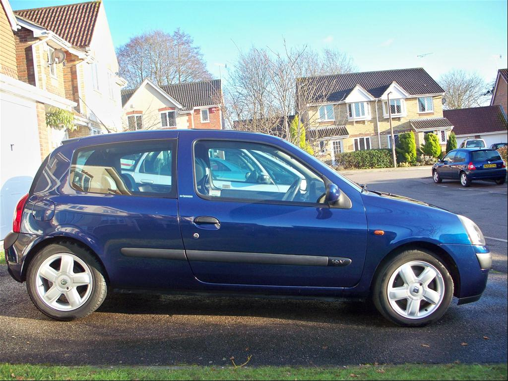 adamta200sx 39 s 2002 renault clio in west sussex ak. Black Bedroom Furniture Sets. Home Design Ideas