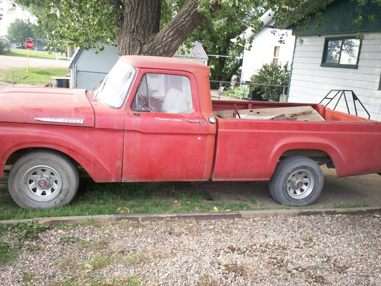 ford f100 with a 1953 box.