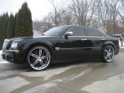 Cesar2371s 2005 Chrysler 300