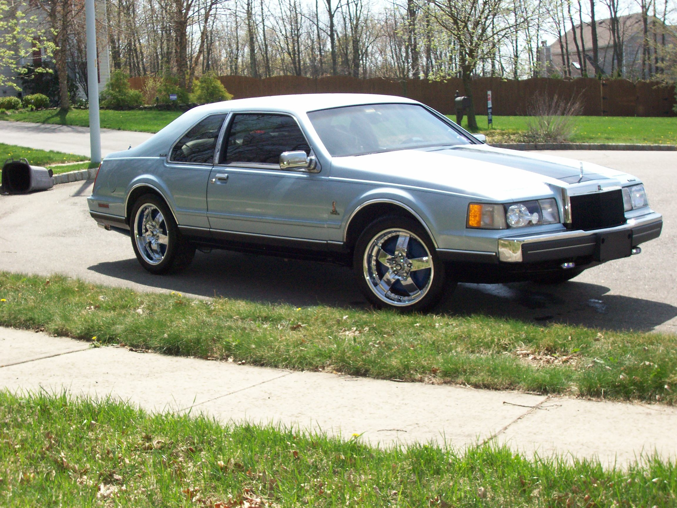 Another yarday 1987 Lincoln Mark VII post... - 14197077