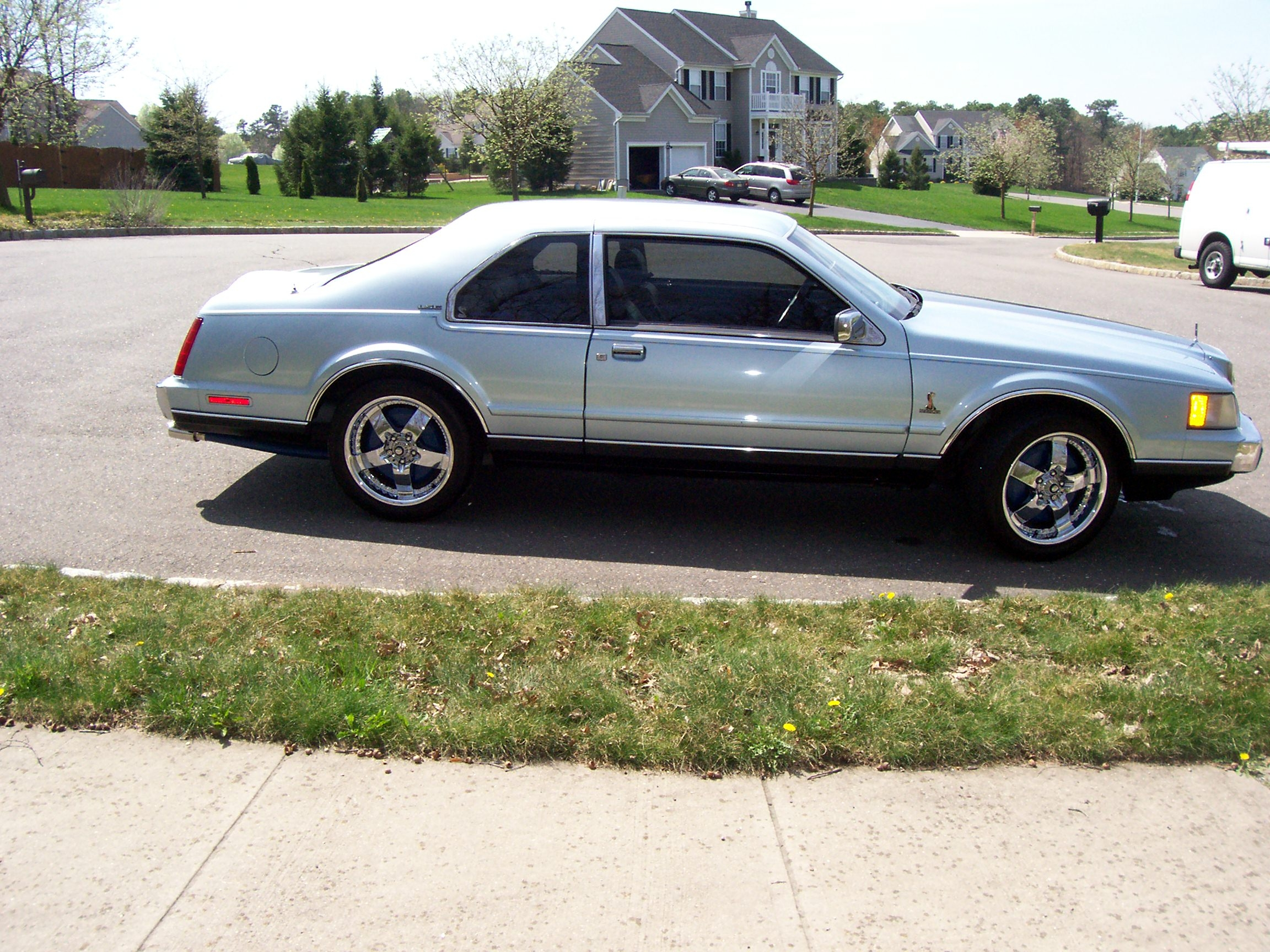 Another yarday 1987 Lincoln Mark VII post... - 14197078