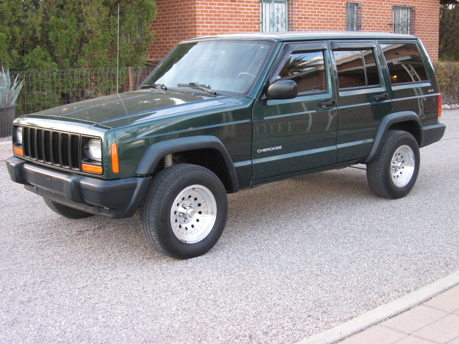 Another blowupyourcar 1999 Jeep Cherokee post... - 14197413