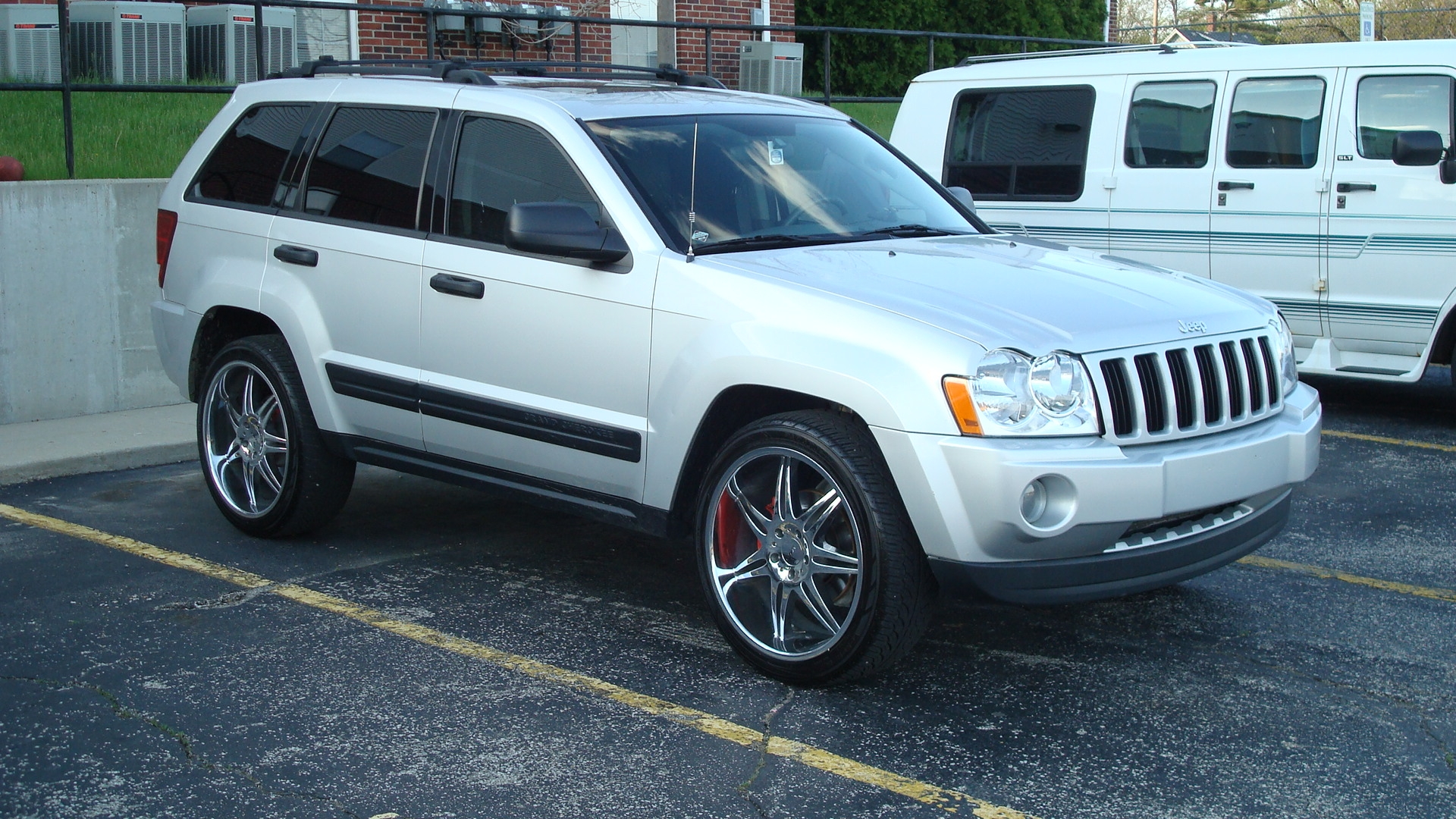 Cassgrad 2005 Jeep Grand Cherokee Specs  Photos