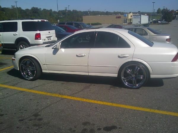 Another AlimoeJ32 2000 Lincoln LS post... - 14216066