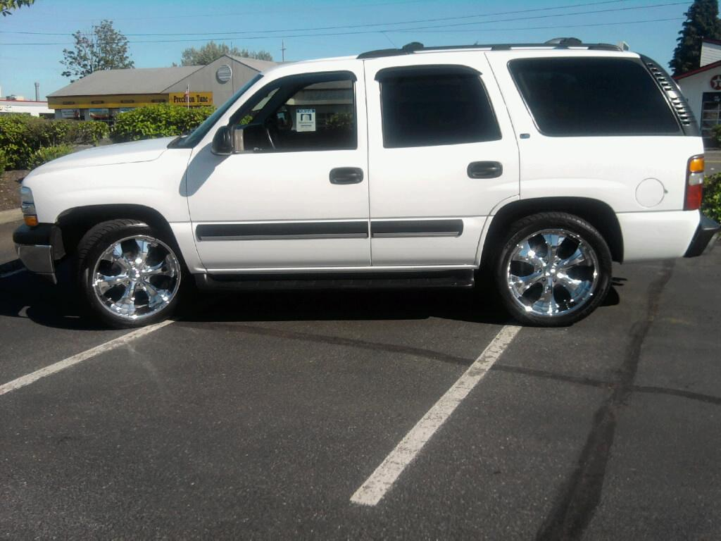 used 2002 chevrolet tahoe for sale pricing edmunds autos post. Black Bedroom Furniture Sets. Home Design Ideas